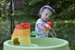 Почему дети любят играть с водой