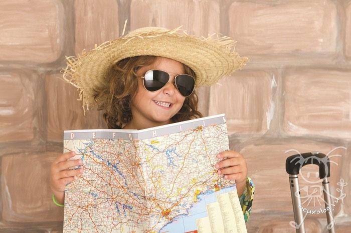 Девочка с картой